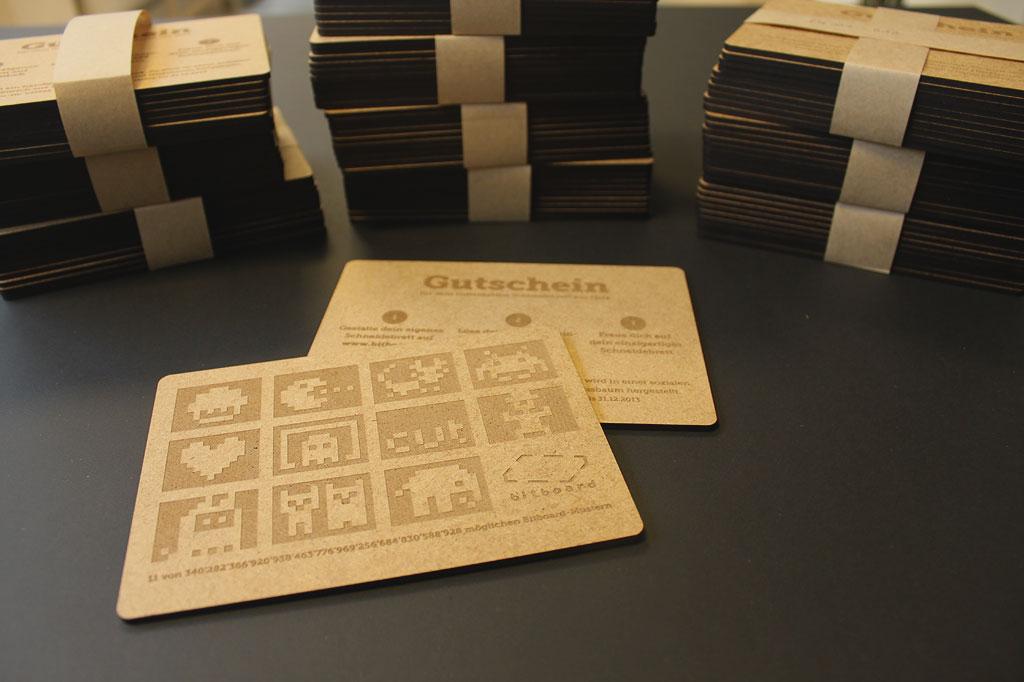 130 Pixel nach Wahl – mit dem Bitboard-Gutschein aus Holz